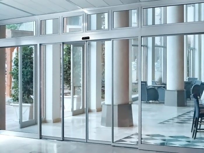 входные железные уличные двери для офиса